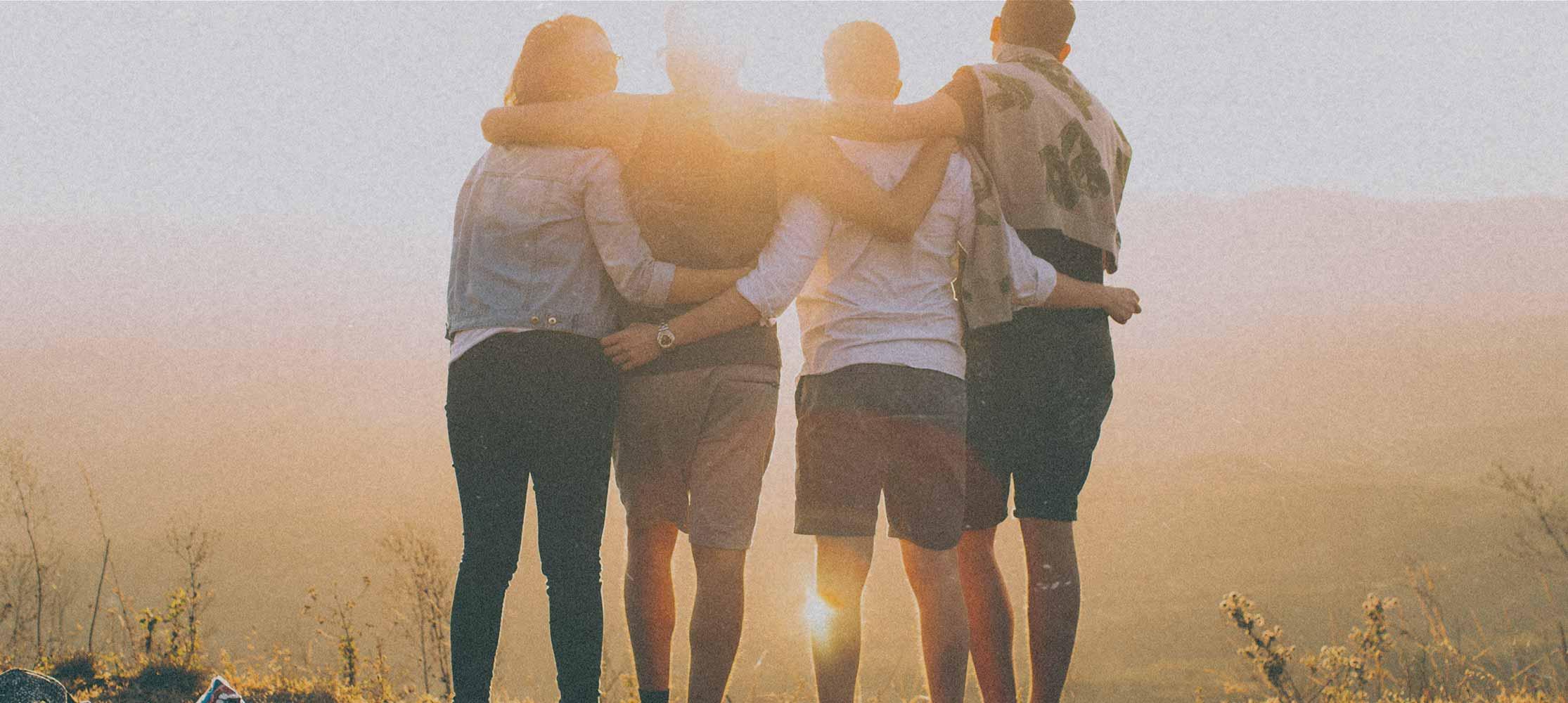 Freund stehen zusammen Treffpunkt Gebet